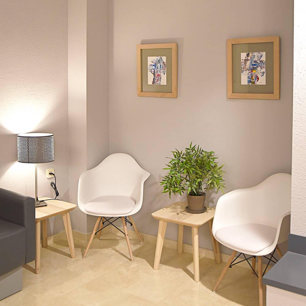 Sala de espera clínica Huesca